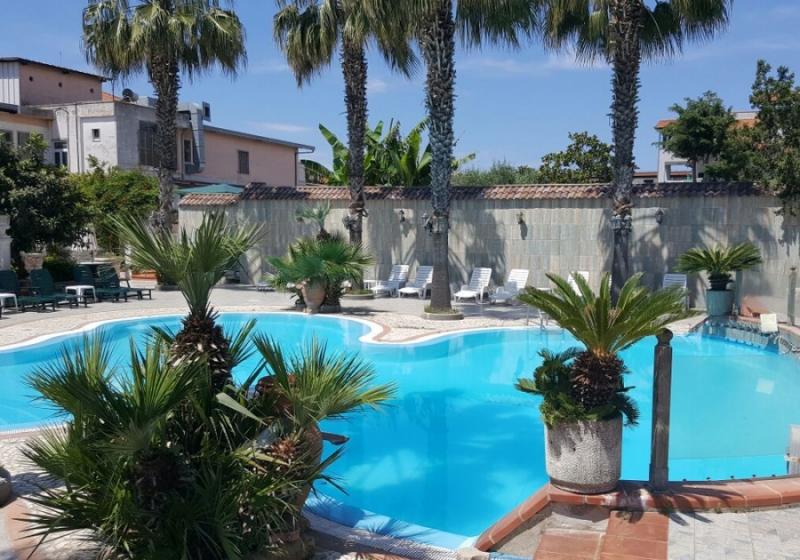 Camera in day use oppure pernottamento e piscina per 2 persone - Hotel piscina in camera ...